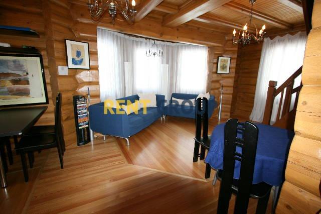 Двухэтажный деревянный дом площадью